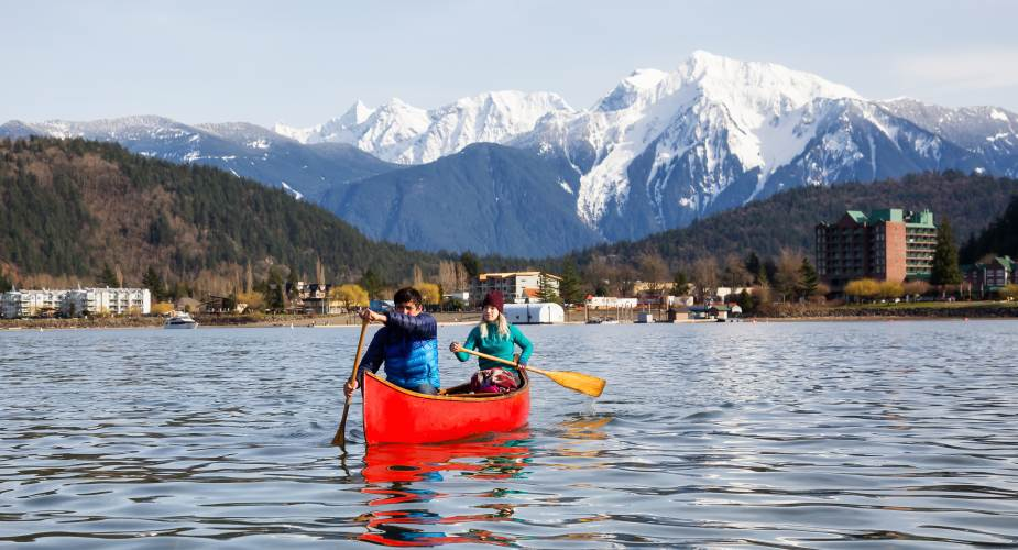 Couple canoeing near Harrison Lake - Scenic7